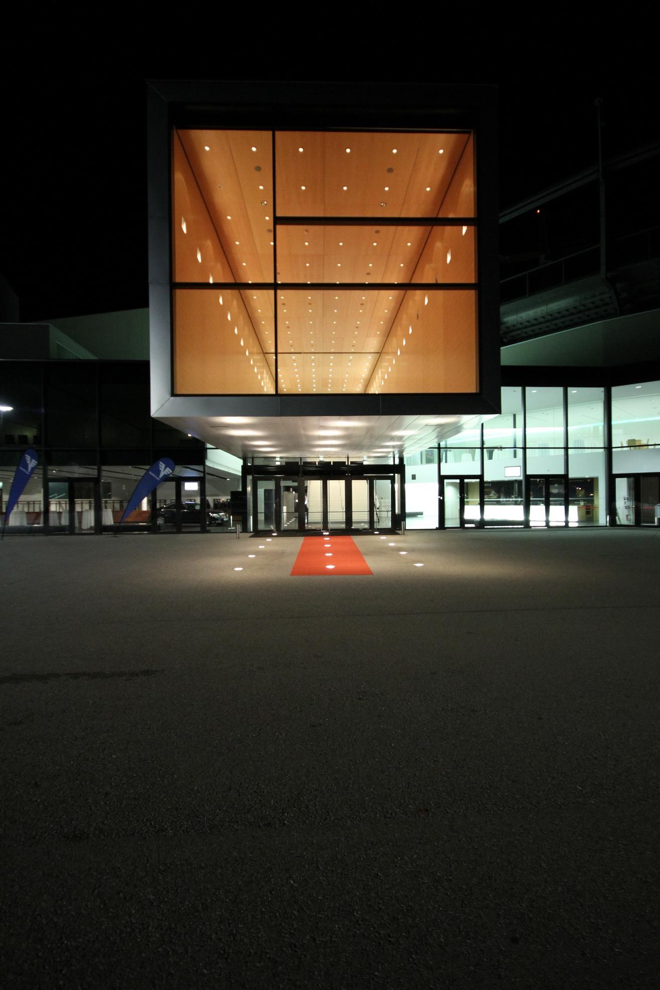 Bregenz-Festspielhaus-001.jpg